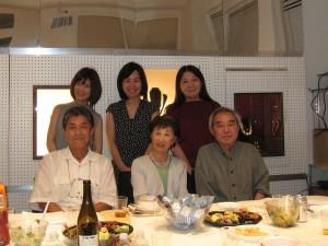 (後列左から)柴田さん、世良さん、小野さん (前列左から)橋本、三田さん、大場さん